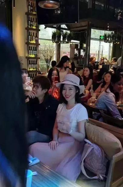 ▲有粉丝提到,ayawawa去年11月在深圳参加优弹素线下分享会。